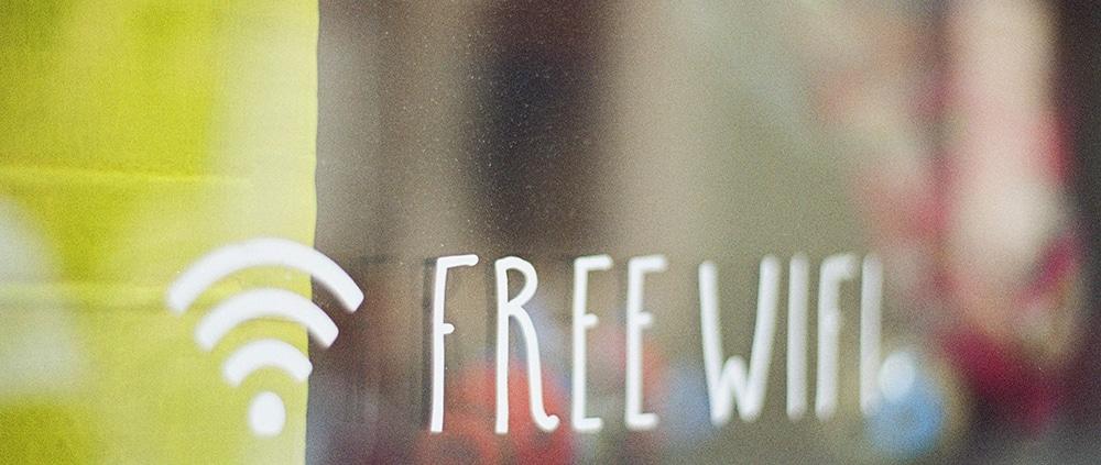 icone de free wifi sur une vitre